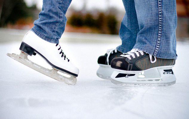 Pista di pattinaggio sul ghiaccio in piazza Carlo Alberto