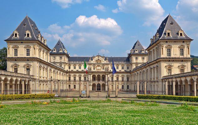Il Castello del Valentino: oggi facoltà di architettura, ieri residenza sabauda di Torino