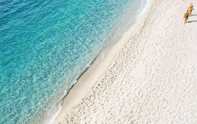 Matrimonio Spiaggia Bergeggi : Le spiagge più belle e vicine a torino