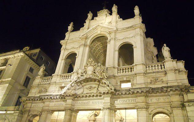 La Chiesa della Santissima Annunziata, splendido esempio di stile neobarocco a Torino