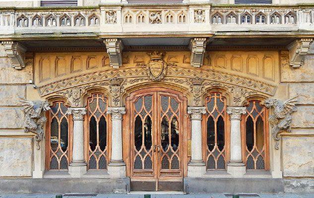 La casa dei draghi di torino un misterioso edificio tra neogotico e liberty - La casa della lampadina torino ...