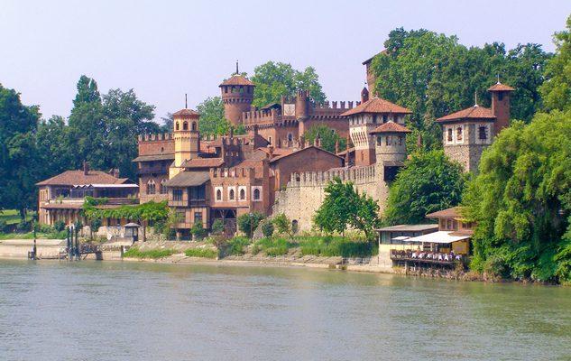 Visita guidata con aperitivo al Borgo Medievale