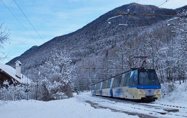 Il Treno del Gusto: un viaggio incantato nelle Alpi tra paesaggi innevati e delizie gastronomiche