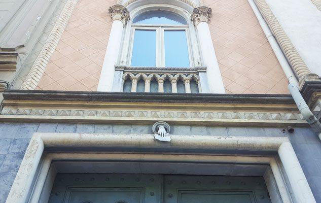 La mano misteriosa di Corso Matteotti a Torino: storia e leggende