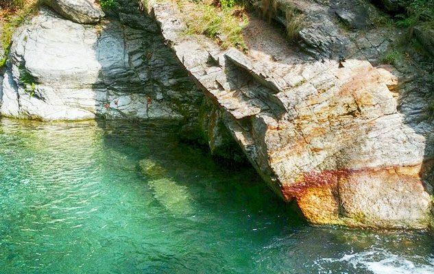 I tumpi di bobbio pellice le piscine naturali vicino - Piscine naturali piemonte ...