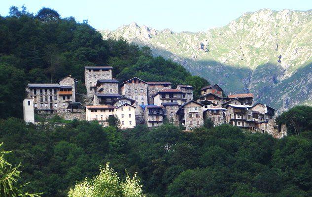 I 10 borghi fantasma del Piemonte: storie, aneddoti e curiosità