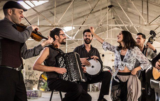 Barcelona Gipsy Balkan Orchestra: ritmi gitani all'Hiroshima Mon Amour di Torino