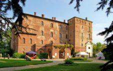 Il Castello di Pralormo: una romantica dimora tra giardini all'inglese e distese di tulipani