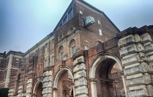 Come arrivare al Castello di Rivoli da Torino: navetta, trasporti pubblici, auto e taxi