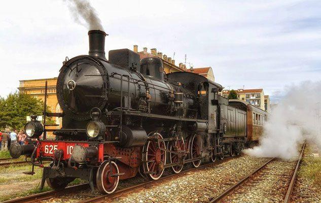 Treno a Vapore da Torino a Saluzzo: un suggestivo viaggio tra sbuffi, fischi e suoni di stantuffi