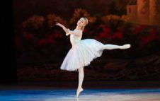 La bella addormentata: a Torino ballano le stelle della danza classica russa