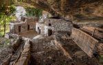 Balma Boves, il suggestivo villaggio-museo piemontese costruito sotto la roccia