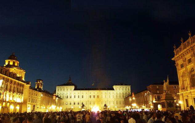 La Festa di San Giovanni a Torino: il farò, la sfilata e lo spettacolo di Droni Luminosi