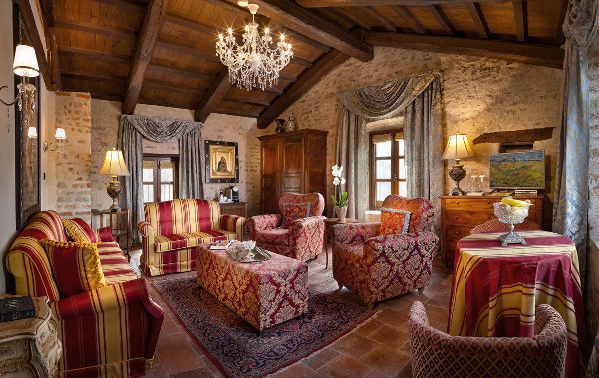Dormire in un castello 10 hotel da favola in piemonte for Soggiorno castello