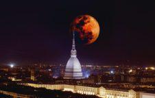 Dove vedere l'Eclissi di Luna 2018 a Torino: eventi e luoghi da non perdere