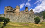 Il Castello di Fénis in Valle d'Aosta: la scenografica dimora medievale tra le più belle d'Italia
