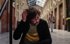 """Willie Peyote in concerto a Venaria con """"Sindrome di Tôret"""""""