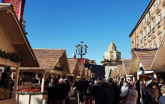 Mercatino di Natale in Piazza Castello 2018