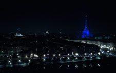 La Mole Antonelliana come la Tour Eiffel: un magico abito di luci per il Natale 2019