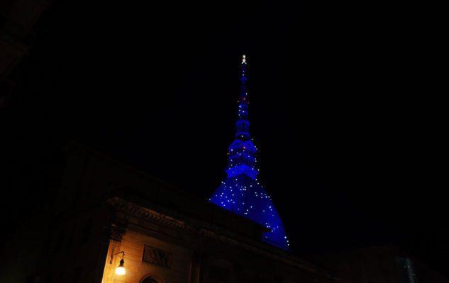 La Mole Antonelliana brilla per il Natale 2018 a Torino