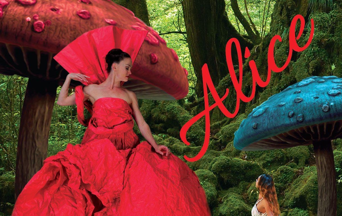 """I ballerini-acrobati di Momix a Torino con """"Alice... Alice... Alice"""""""