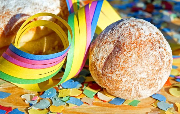 Friciò piemontesi: i deliziosi dolcetti del Carnevale in Piemonte
