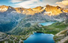Leonardo DiCaprio posta una foto delle montagne del Piemonte in omaggio alla bellezza della Natura