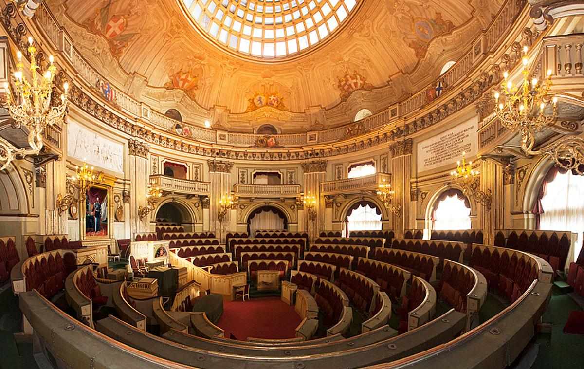 Apertura straordinaria della camera dei deputati del for Composizione del parlamento italiano oggi