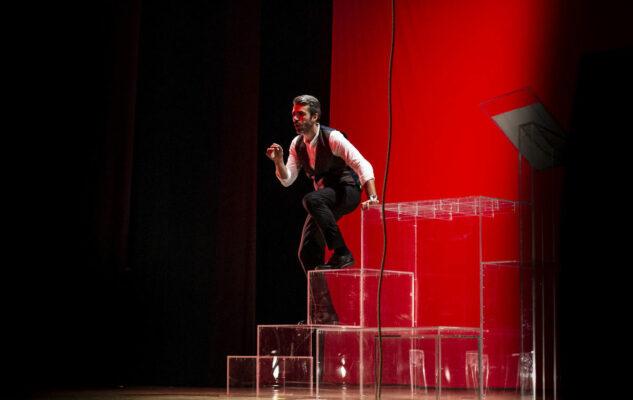 """Luca Argentero in teatro a Torino con """"È questa la vita che sognavo da bambino?"""""""
