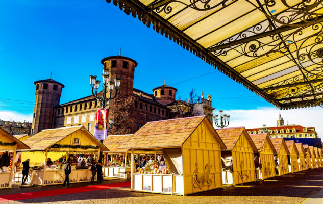 Mercatino di Natale in Piazza Castello 2019/2020 a Torino