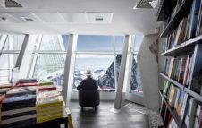 Sul Monte Bianco apre la libreria più alta d'Europa: leggere a 3466 metri di altezza