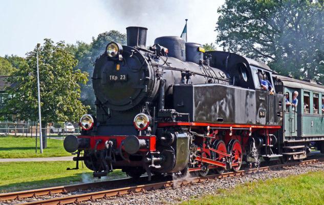 L'Orient Express della Valsesia riparte da Torino: viaggio nel tempo su un treno a vapore
