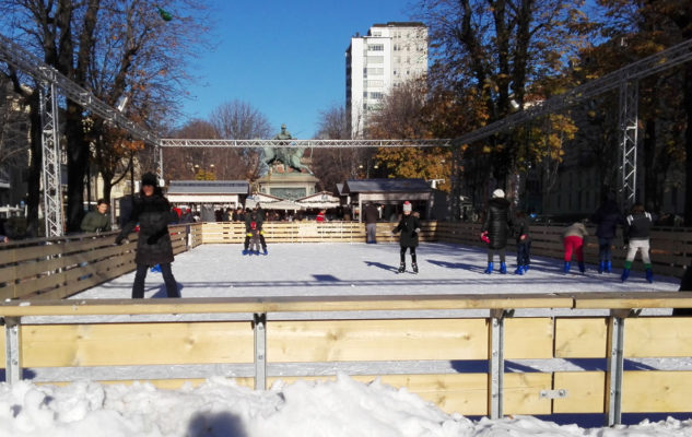 Pista di Pattinaggio in Piazza Solferino per il Natale 2019 a Torino