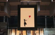 """""""Street Art in Blu"""", a Torino la mostra su Banksy e Blu: date e biglietti"""
