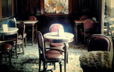 Il Caffè Elena di Torino compie 130 anni: la grande festa tra cocktail, letteratura e dj set