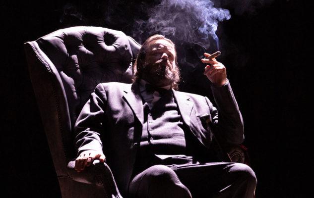 Winston vs Churchill: Giuseppe Battiston a Torino racconta l'uomo, il politico, la maschera