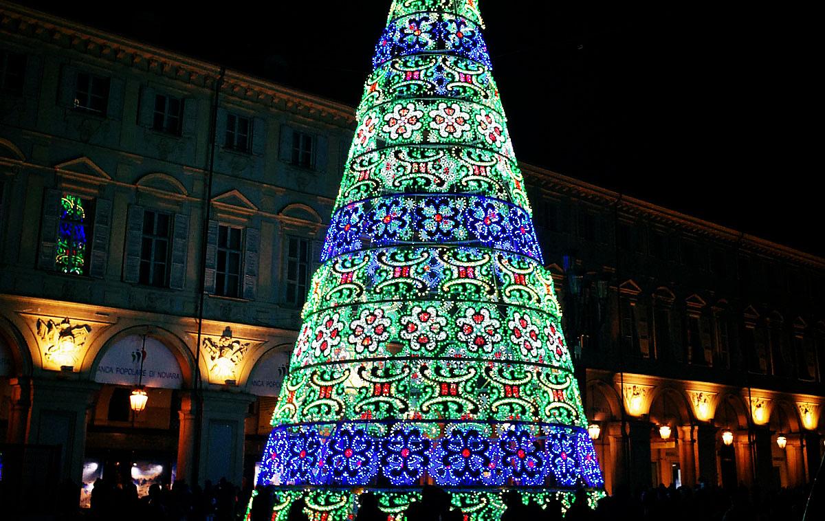 Albero Di Natale A Torino.Natale 2019 A Torino 4 Piazze Magiche Tra Incantesimi Trucchi Ed Effetti Speciali 1 Dicembre 2019 22 Dicembre 2019 Torino