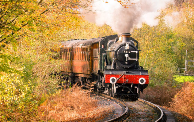 Orient Express della Valsesia: la magia dei mercatini di Natale a bordo di un treno storico