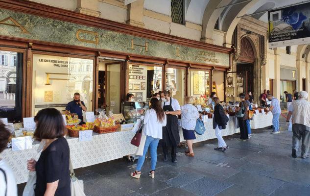 """Biraghi porta a Torino lo storico """"gelato di latte"""""""