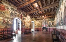 Il Castello della Manta: antica dimora del Piemonte che sembra uscita da un poema cavalleresco