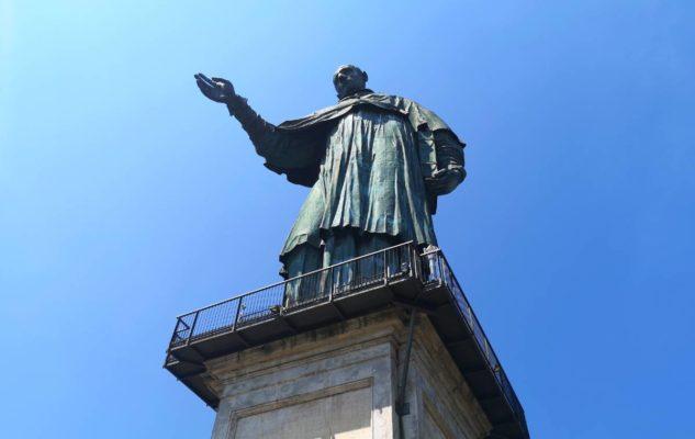 Sancarlone statua
