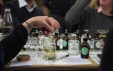 Esperienza: a Torino tornano i corsi per creare e degustare vermouth, gin e gianduiotto