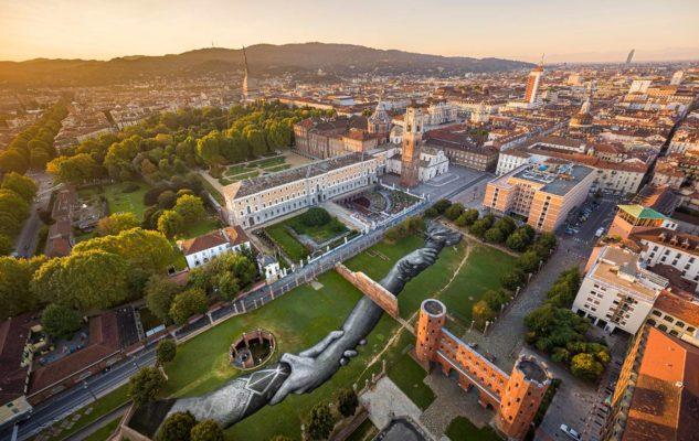 Beyond Walls – Oltre i muri: Torino ospita la grande opera dell'artista Saype
