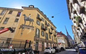 """""""Scultura Bronzea, Storia e Tradizione"""": a Torino l'opera di Street Art che invita all'azione"""