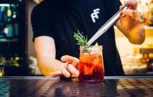 Affini Torino propone l'Aperitivo a Domicilio: cocktail, tapas e fritti direttamente a casa