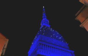 La Mole illuminata per il Natale: prolungati gli orari di accensione