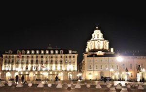 Piazza Castello illuminata da una nuova luce che rispetta l'ambiente ed esalta l'architettura