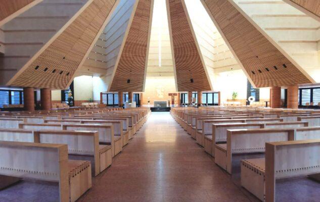 Chiesa Santo Volto Torino interno