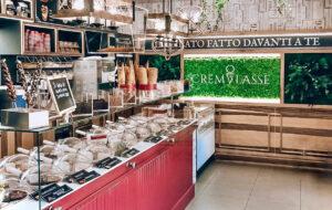 """Cremglassé: arriva a Torino l'originale gelateria con il suo famoso """"gelato mantecato a vista"""""""