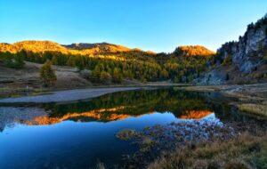 Il Lago Nero: un suggestivo specchio d'acqua tra le montagne torinesi